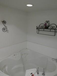 Travelodge Lemoore - Hot Tub