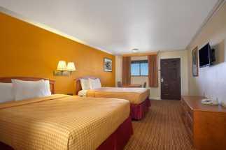Travelodge Hotel Lemoore - 2 Queen Beds